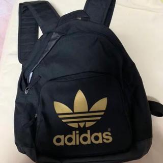 アディダス(adidas)のadidas リュック 黒×ゴールド(リュック/バックパック)