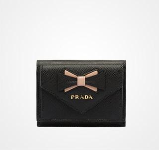 4c67621bb4c3 プラダ(PRADA)のPRADA リボン付き サフィアーノ レザー 財布 3つ折り(財布)