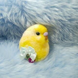 羊毛フェルト セキセイインコ ブローチS 薄黄色×黄緑(コサージュ/ブローチ)