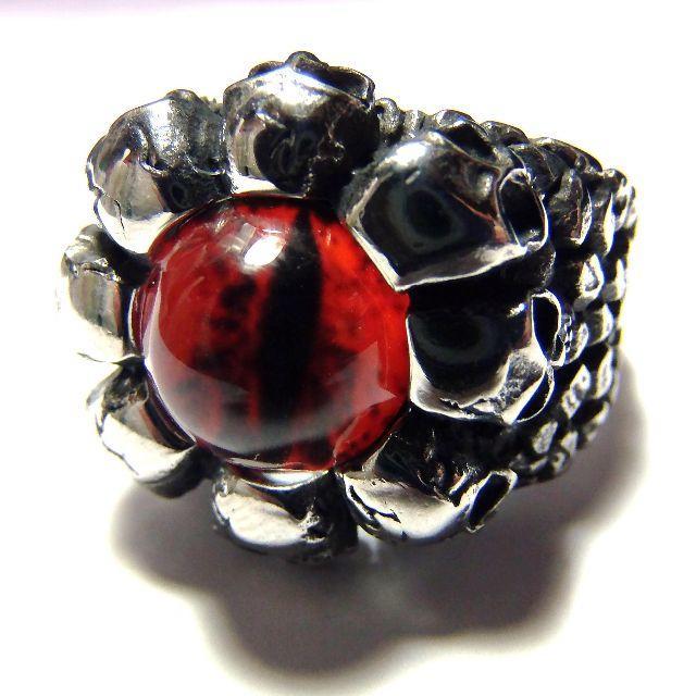 送料無料 赤色 レッドアイ スカル リング 指輪 ゴシック 25号 メンズのアクセサリー(リング(指輪))の商品写真