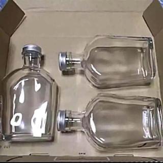 ハーバリウム瓶  ウイスキー型  三本(各種パーツ)