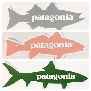 パタゴニア(patagonia)のパタゴニア フィッシュ ステッカー 3点 ☆ グレー グリーン ピンク(サーフィン)