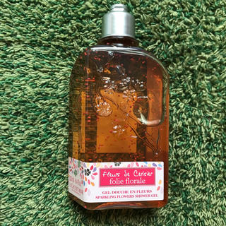 ロクシタン(L'OCCITANE)の新品♡ロクシタン チェリースパークル シャワージェル 250ml(ボディソープ / 石鹸)