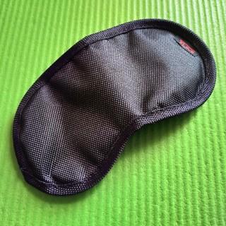 トゥミ(TUMI)のTUMI アイマスク 美品(旅行用品)