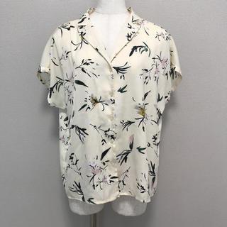ジーユー(GU)のジーユー 花柄オープンカラーシャツ(シャツ/ブラウス(半袖/袖なし))
