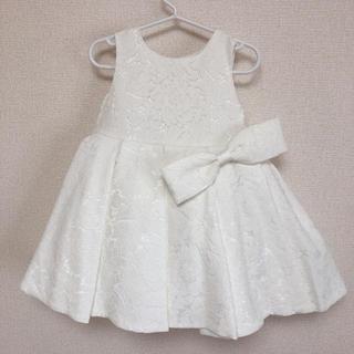 6d8dfc36d5047 ファミリア(familiar)の高品質! 刺繍 チュール付き ベビードレス(セレモニードレス