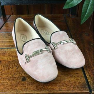 トッズ(TOD'S)のトッズ フラットシューズ ピンク スエード サイズ34 A93351(ローファー/革靴)