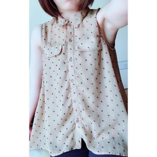 ジーユー(GU)のGU♡お洒落ノースリーブ(シャツ/ブラウス(半袖/袖なし))