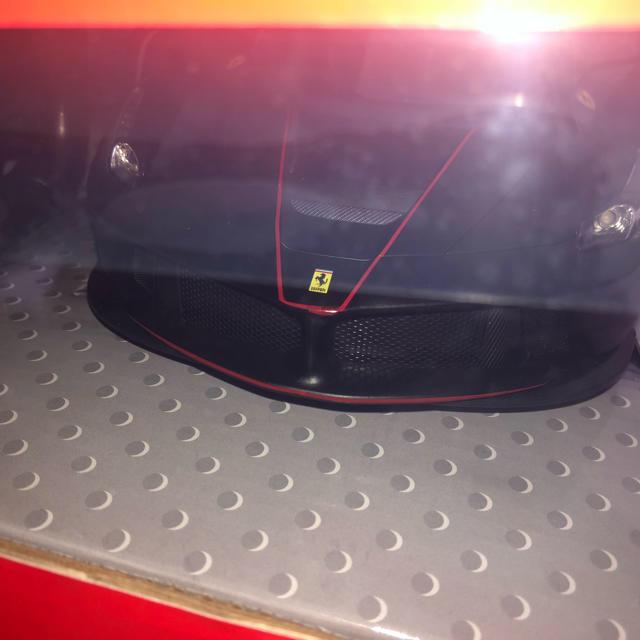 Ferrari(フェラーリ)のLa Ferrari Aperta 1/14スケール ラジコン エンタメ/ホビーのおもちゃ/ぬいぐるみ(ホビーラジコン)の商品写真