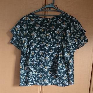 ジーユー(GU)の花柄トップス(シャツ/ブラウス(半袖/袖なし))