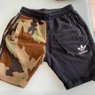 アディダス(adidas)のアディダスオリジナルス スウェット ハーフパンツ メンズ(ショートパンツ)