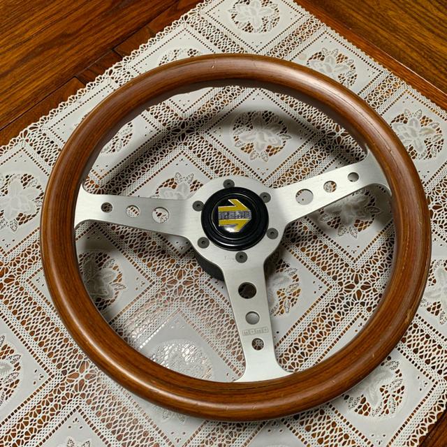 トヨタ(トヨタ)の希少 momo ハンドル ステアリング 木製 自動車/バイクの自動車(その他)の商品写真