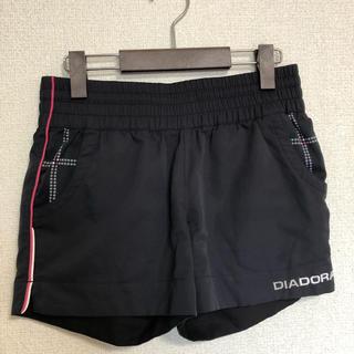 ディアドラ(DIADORA)のディアドラ ショートパンツ黒 M(ウェア)