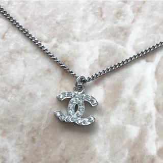 f09b518e9a40 CHANEL - 正規品 シャネル ネックレス シルバー ココマーク ラインストーン 銀 石 ロゴ