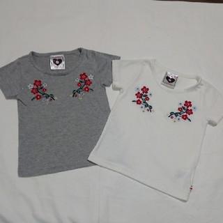 シマムラ(しまむら)のキッズ☆花柄刺繍Tシャツ☆2点セット☆白グレー(Tシャツ/カットソー)