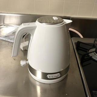 デロンギ(DeLonghi)のデロンギ湯沸かしケトル(電気ケトル)