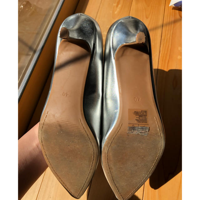 H&M(エイチアンドエム)のH&M パンプス シルバー 40 レディースの靴/シューズ(ハイヒール/パンプス)の商品写真