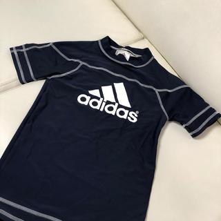 アディダス(adidas)の【キッズ・ラッシュガード・アディダス】(水着)