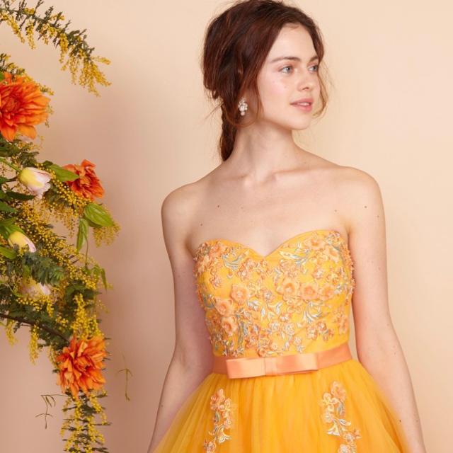 ウェディングドレス♡イエローオレンジ レディースのフォーマル/ドレス(ウェディングドレス)の商品写真