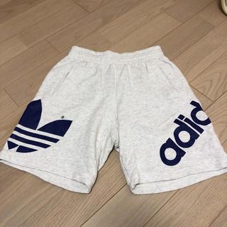 アディダス(adidas)の美品 アディダス ハーフパンツ Mサイズ デサント製(ショートパンツ)