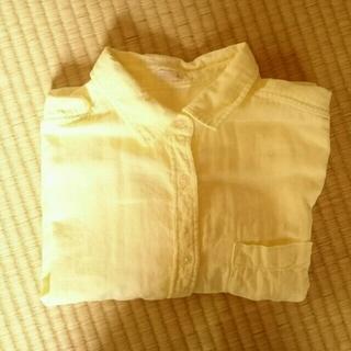 ジーユー(GU)のレモンイエロー☆コットンシャツ(シャツ/ブラウス(長袖/七分))