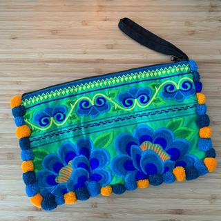チチカカ(titicaca)のモン族 刺繍 ポーチ ポンポン付き その他4点(クラッチバッグ)