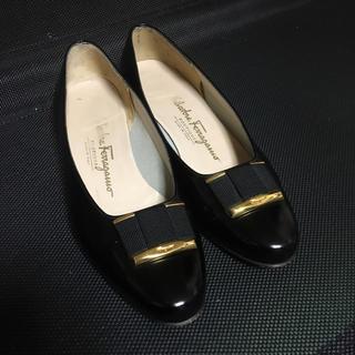 フェラガモ(Ferragamo)のフェラガモ ヴァラ パンプス レディース 靴 6C 23.5(ハイヒール/パンプス)