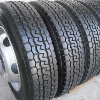 トラック用タイヤ