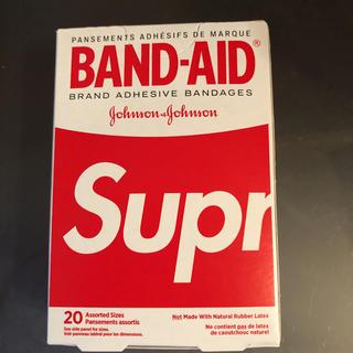 シュプリーム(Supreme)のSupreme BAND-AID シュプリーム バンドエイド US限定(日用品/生活雑貨)