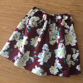 チェスティ(Chesty)のchesty 新品未使用 アニバーサリー花柄スカートサイズ0(ひざ丈スカート)