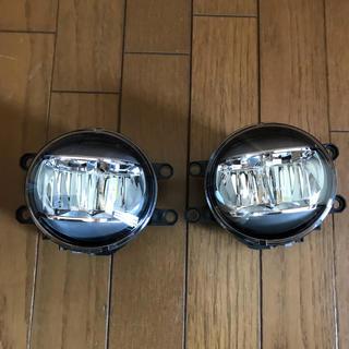 トヨタ(トヨタ)のVOXY80 後期  純正LEDフォグランプ(車外アクセサリ)