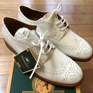 トゥモローランド(TOMORROWLAND)の【タグ付き】パランコ  ウィングチップシューズ 白 38 Palanco(ローファー/革靴)