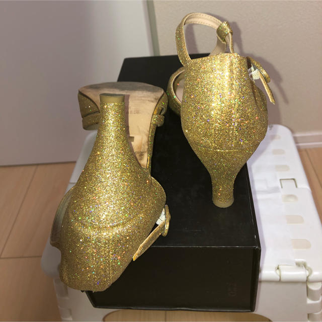 repetto(レペット)の【美品】repettoサンダル レペット(ゴールド37) レディースの靴/シューズ(サンダル)の商品写真