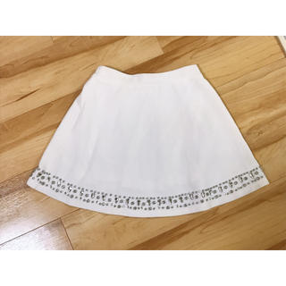 ダチュラ(DaTuRa)のDaTuRa♡ダチュラ♡ラグジュアリー♡ビジューフレアスカート♡ホワイト(ミニスカート)