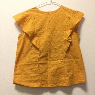 ジーユー(GU)のフリルブラウス コットンブラウス イエローオレンジ DHOLIC系(シャツ/ブラウス(半袖/袖なし))