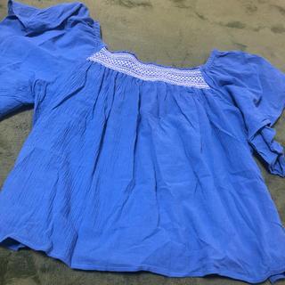 ジーユー(GU)のステッチオフショル(シャツ/ブラウス(半袖/袖なし))
