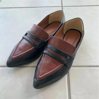 アングリッド(Ungrid)のUngrid バイカラーポインテッドローファー(ローファー/革靴)