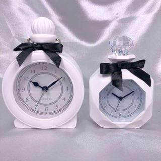 フランフラン(Francfranc)の【新品】パヒューム型置時計2種2個セット(ホワイト)(置時計)