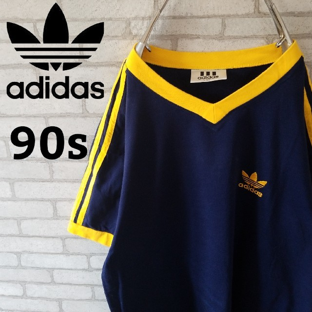 adidas(アディダス)の【90s】アディダス 半袖tシャツ Vネック  ネイビー×イエロー 刺繍ロゴ   メンズのトップス(Tシャツ/カットソー(半袖/袖なし))の商品写真