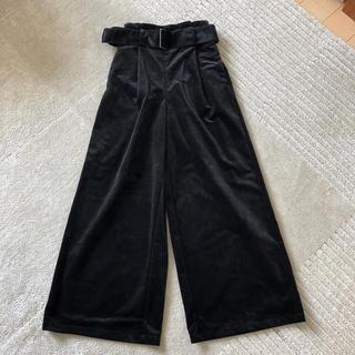 ジーユー(GU)のGU ワイドパンツ ガウチョパンツ ブラック 黒 ベロア  S(カジュアルパンツ)