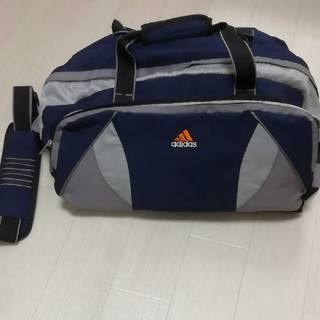 アディダス(adidas)の美品 アディダス スポーツバッグ(ボストンバッグ)