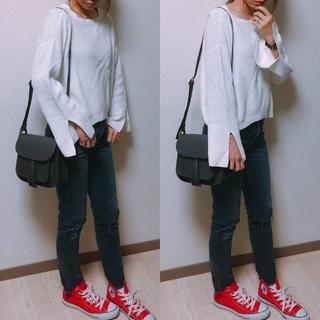 GU - GU♡カフスリットセーター♡ホワイトL♡1回着用のみ♡シンプルコーデ♡ジーユー♡