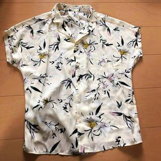ジーユー(GU)のGU🌸新品花柄シャツ(シャツ/ブラウス(半袖/袖なし))
