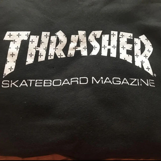 THRASHER - THRASHER 黒のパーカー
