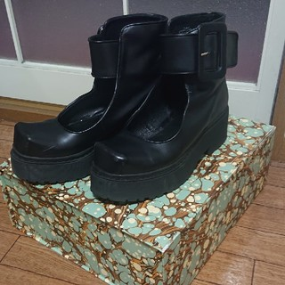 ジェフリーキャンベル(JEFFREY CAMPBELL)のjeffrey campbelジェフリーキャンベル 厚底シューズ(ローファー/革靴)