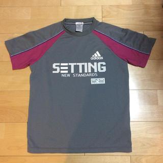 アディダス(adidas)のアディダスのTシャツ(Tシャツ/カットソー(半袖/袖なし))