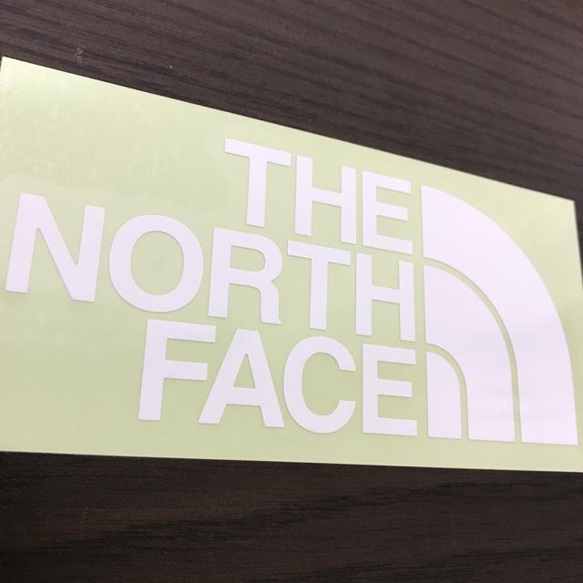 THE NORTH FACE(ザノースフェイス)の【縦7cm横14cm】THE NORTH FACEカッティングステッカー 自動車/バイクのバイク(ステッカー)の商品写真