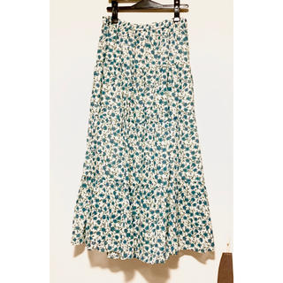 ジーユー(GU)のGU ティアード ロングスカート   新品未使用 ゆったり(ロングスカート)
