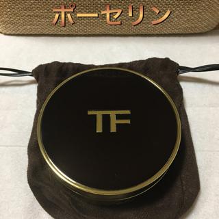 トムフォード(TOM FORD)のトレースレス タッチ ファンデーション クッション コンパクト(ファンデーション)