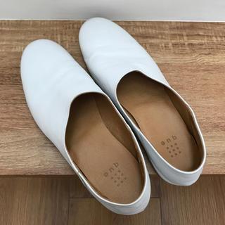 ネストローブ(nest Robe)のque shoes キューシューズ ホワイト Mサイズ(バレエシューズ)
